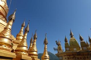 Mount Popa,Taung Kalat Buddhist Monastery (13)