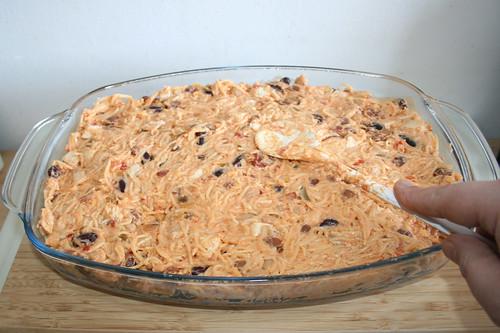 25 - Nudeln glatt streichen / Flatten noodles
