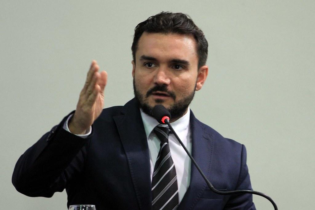 Globo aponta deputado do PA como campeão de pedidos  de passaportes diplomáticos, Celso Sabino, deputado federal