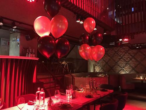 Tafeldecoratie 6ballonnen Cafe in the City Rotterdan