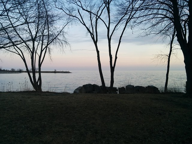 Pastels over Lake Ontario, evening #toronto #etobicoke #longbranch #lakeontario #colonelsamuelsmithpark #pastel #evening