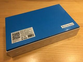EZCast Beam 開箱 02 - 背後有規格: 3000 mAh 電池