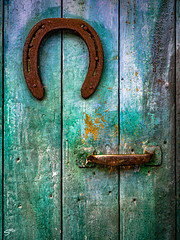 Horseshoe Door - Photo of Digne-les-Bains