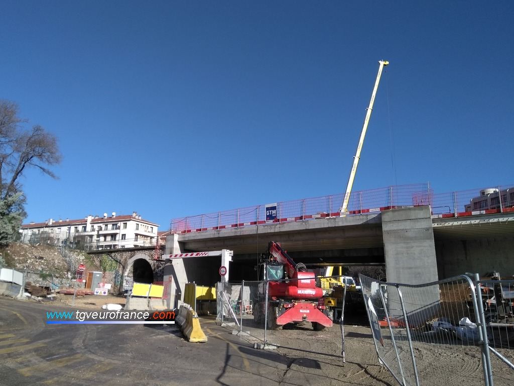 Élargissement du pont ferroviaire à la sortie de la gare d'Aix-en-Provence