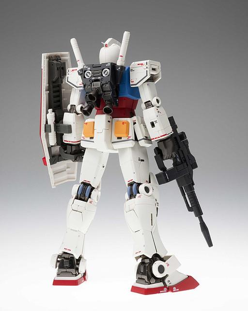 GUNDAM FIX FIGURATION METAL COMPOSITE 《機動戰士鋼彈》「RX-78-02 鋼彈(40週年記念版本 )」!ガンダム(40周年記念Ver. )