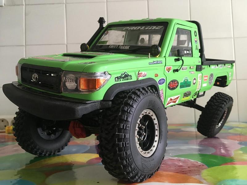 Toyota LC70 SCX10 II 33171755178_57514bde44_c