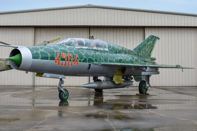 MiG-21US N1121M 4504 4685145, Nikon D3400, AF-S DX Micro Nikkor 40mm f/2.8G