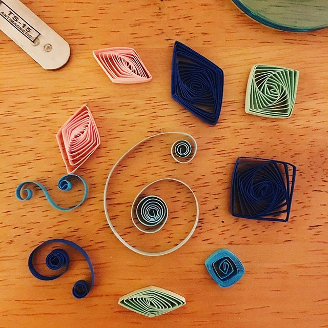Got a #quilling starter kit for Christmas. Trying out some things last night. It's... fussy. And makes me feel like I have gigantic gorilla hands.
