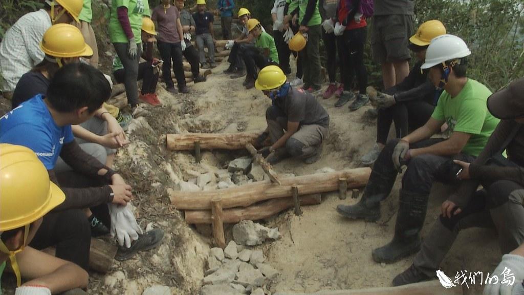 2016年起,郊野公園邀請台灣千里步道協會協助修山徑,陸續在雞公山、馬鞍山等地修復步道。