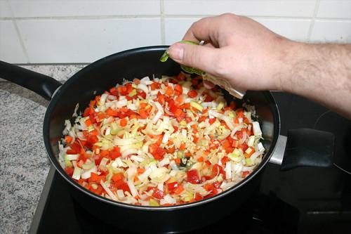 15 - Knoblauch addieren / Add garlic