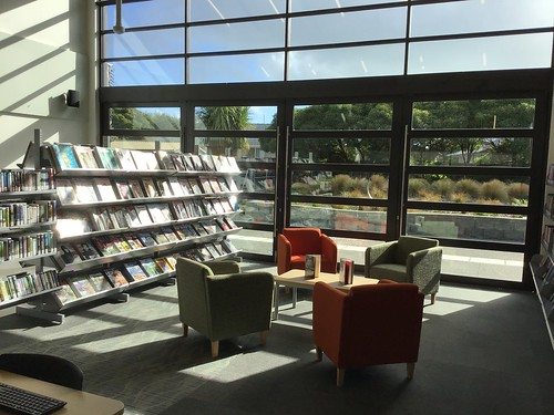 Magazines and Large Print, Parklands Library