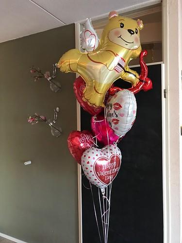 Gronddecoratie 6ballonnen Valentijnsdag