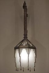 Luminaire art déco (Hôtel de ville de Saint-Quentin, France)