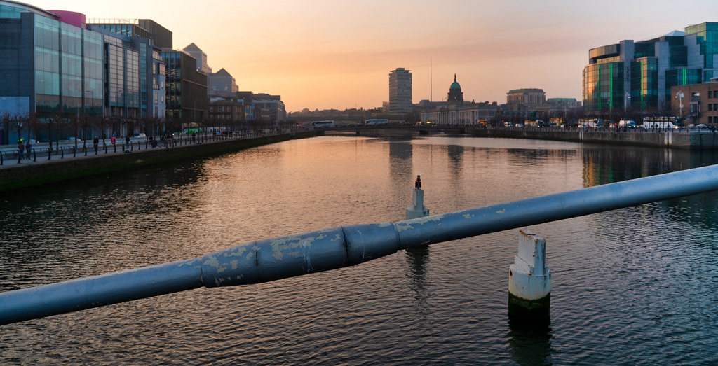 SUNSET IN THE DOCKLANDS 005