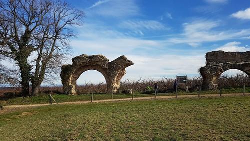 Campagne lyonnaise - l'acqueduc romain du Gier