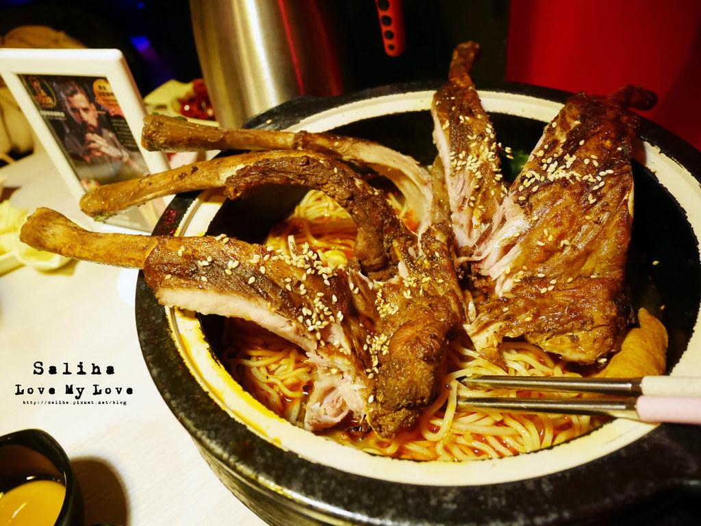 台北松山區小巨蛋站附近餐廳推薦水貨炭火烤魚麻辣火鍋涮涮鍋大份量肉盤 (5)