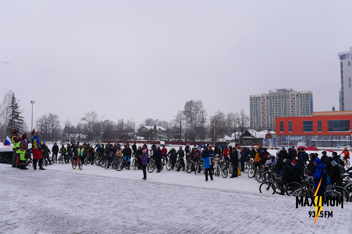 Maximum 4 зимний велопарад