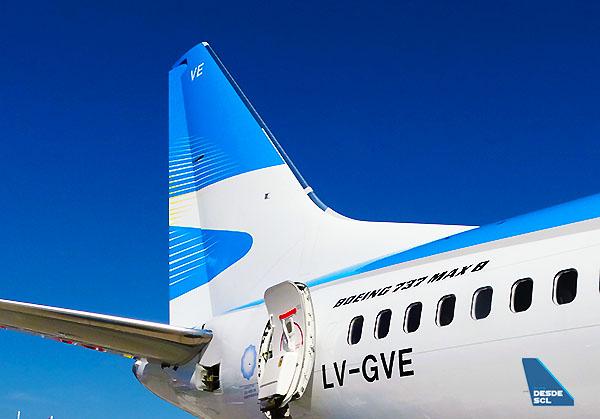 Aerolineas Argentinas B737 MAX 8 tail (RD)