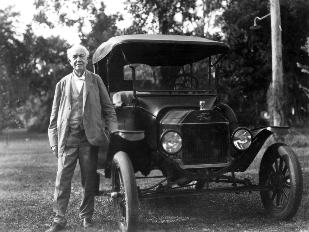 Thomas Edison with a Ford Model T motor car.