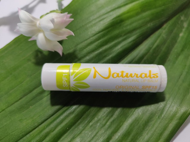 Naturals huulivoide spf 15