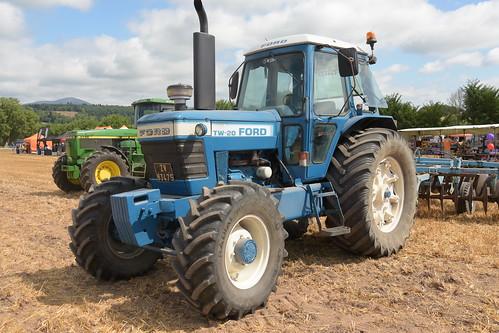 Melleray Vintage Club Vintage Combine Exhibition 2018 Ford TW20 Tractor