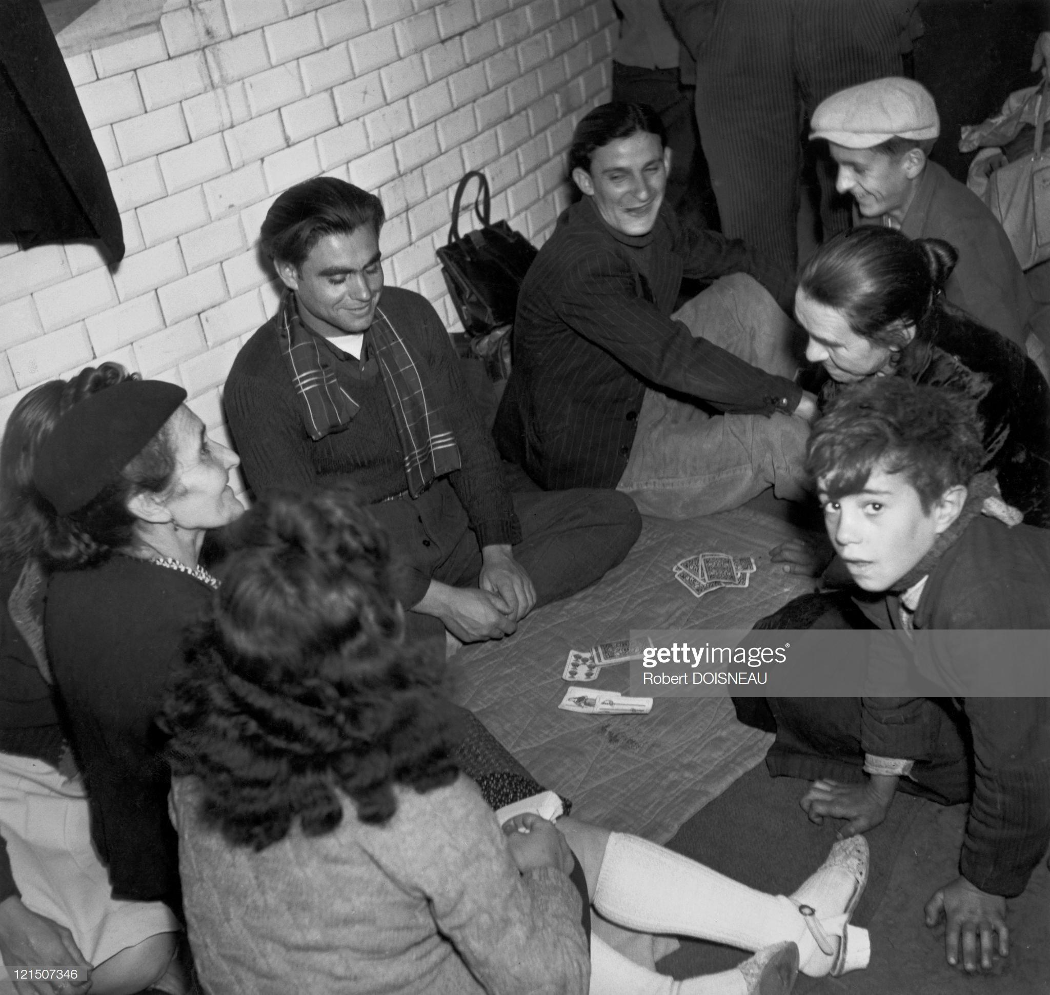 1944. Метро используется в качестве убежища накануне освобождения