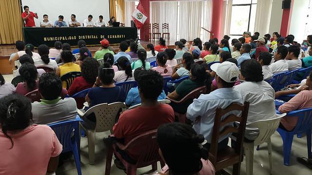 Más de 300 padres de la I.E fusionada Miguel Grau de Kiteni quedaron contentos tras compromisos avanzados en reunión con Alcalde de Echarati