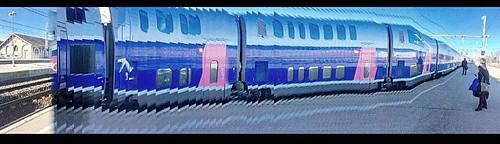 Train Arriving at Setè