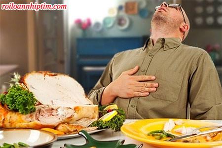 Một số bệnh lý khiến nhịp tim tăng cả khi ăn uống và nghỉ ngơi