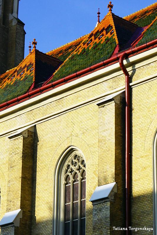 Окна и фрагмент крыши