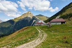 Chalet de Bottier et Mont Pécloz (2197 m)
