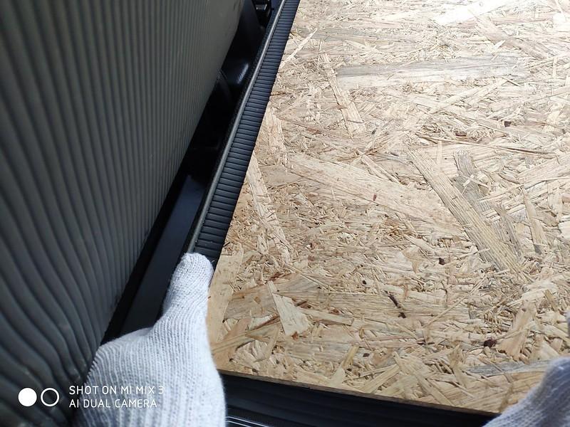 軽バンにベニヤ板を乗せる (3)