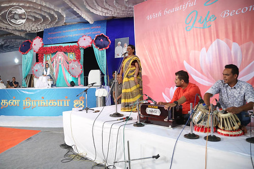 Tamil devotional song by Parmeshwari from Chennai