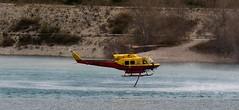 Hélicoptére bombardier d'eau - Photo of Le Broc