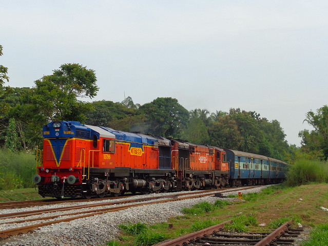 Offlink with 12619 Matsyagandha Express!, Sony DSC-W830