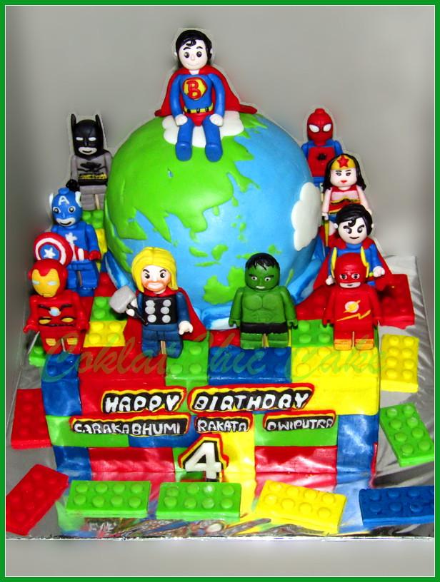 Cake Lego superhero Caraka Bhumi 22 /15 cm