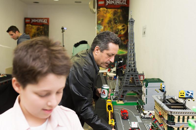 1η Έκθεση-Συνάντηση του Συλλόγου LEGO Βορείου Ελλάδος - 7 Μαίου 2016  40342994623_de9e749940_c