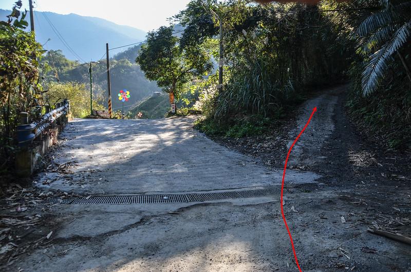 雪山坑山北峰行車岔路 2