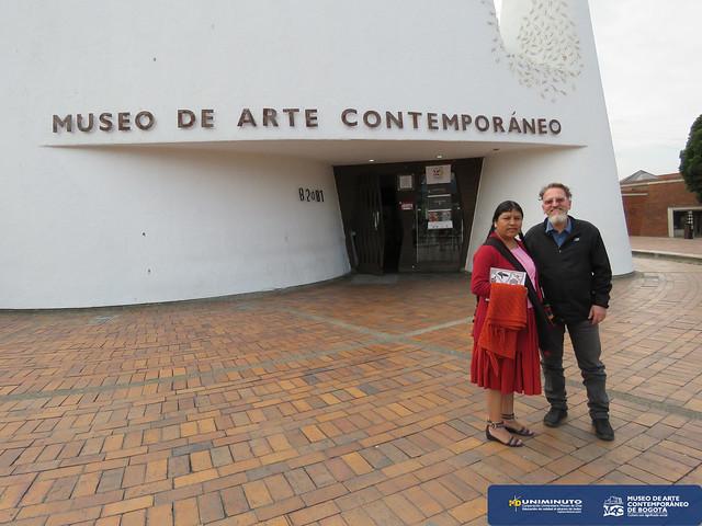 Visita de la Directora del Museo Nacional de Etnografía y Folklore de Bolivia al Museo de Arte Contemporáneo de Bogotá
