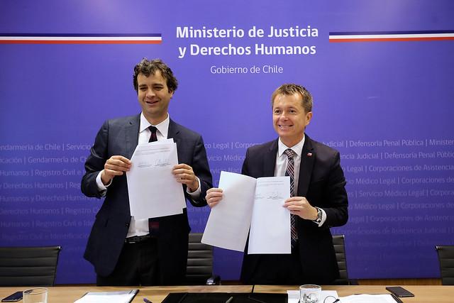 Firma de convenio de colaboración entre la SUBDERE y la Subsecretaria de Justicia por Juzgados de Policía Local | 26.12.18