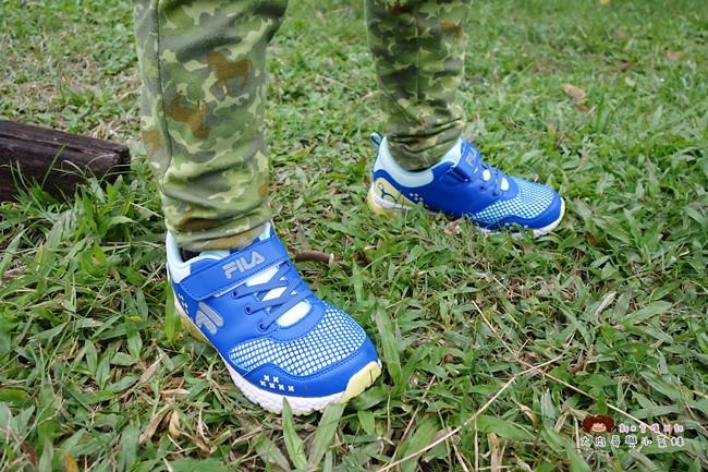 FILA 兒童氣墊慢跑鞋 足弓支撐鞋墊 (26)