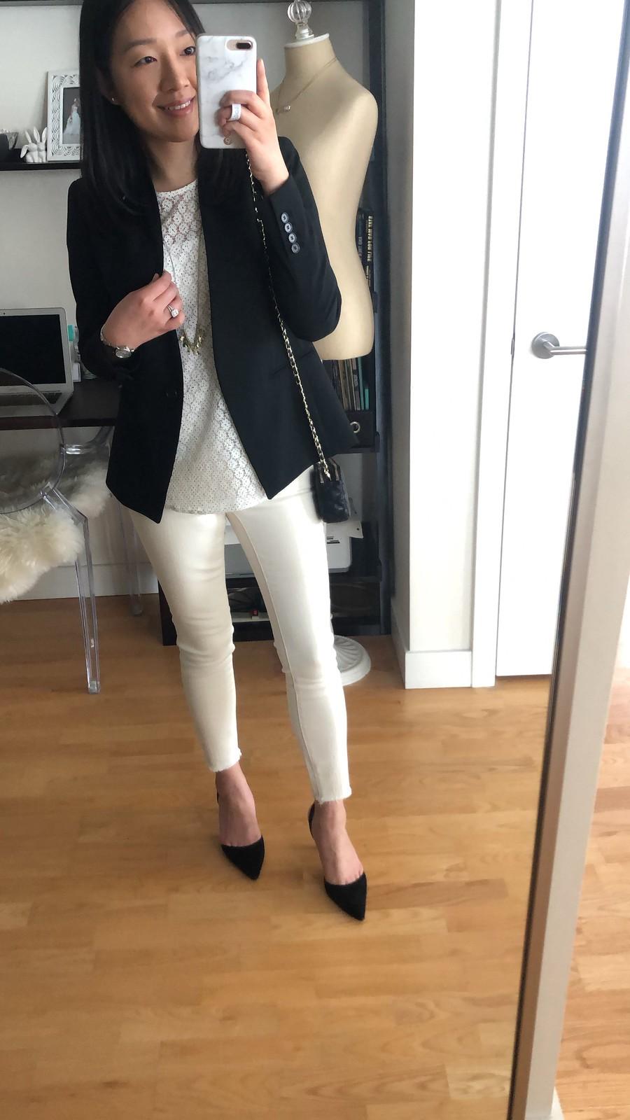 Ann Taylor Bi-Stretch Modern Blazer, size 2P