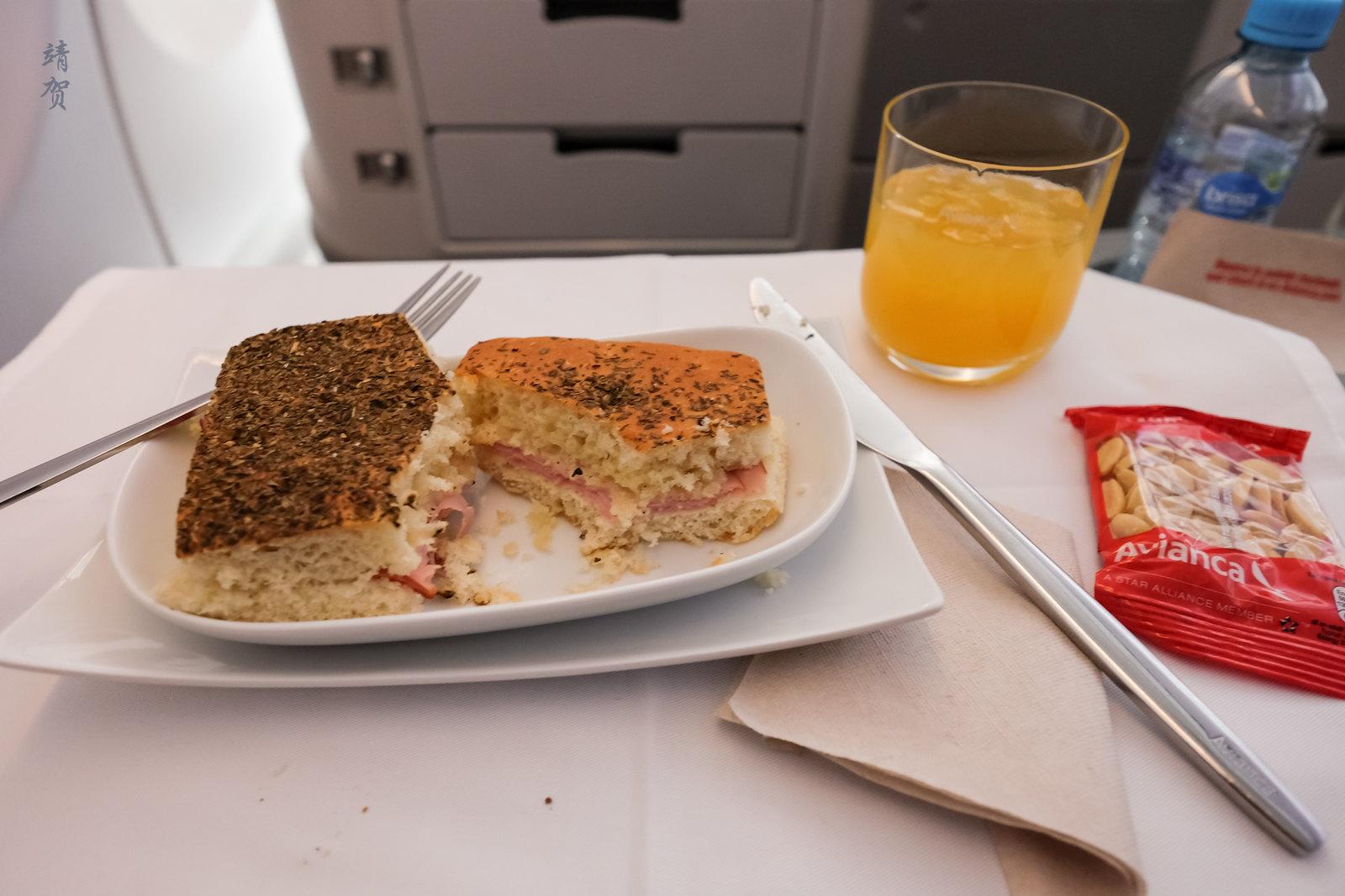 Sandwich served mid-flight