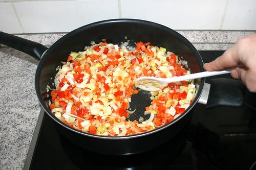 16 - Gemüse weiter andünsten / Continue braise vegetables