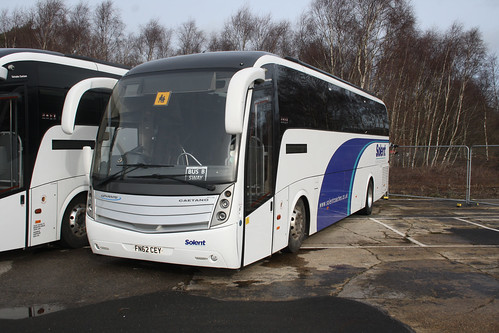 Solent Coaches 481148 FN62CEY