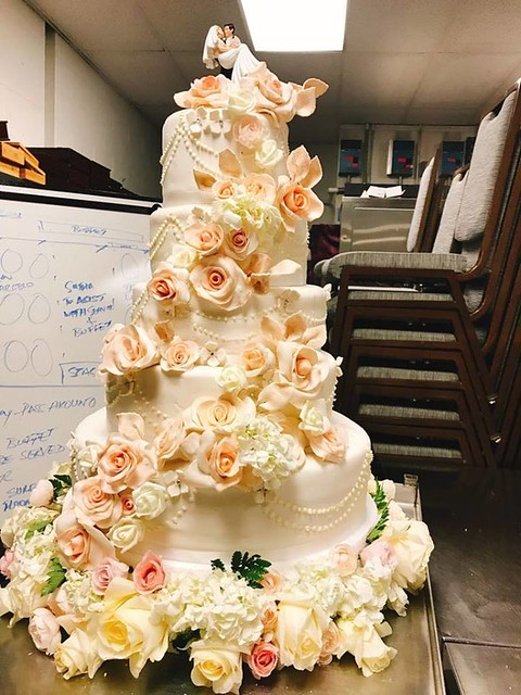 Cake by Periy Pastry