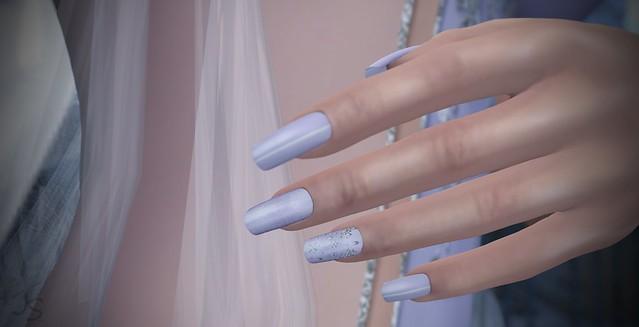 Snowflakes Lilac Nails