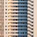 Señora en bloque de edificios Benidorm
