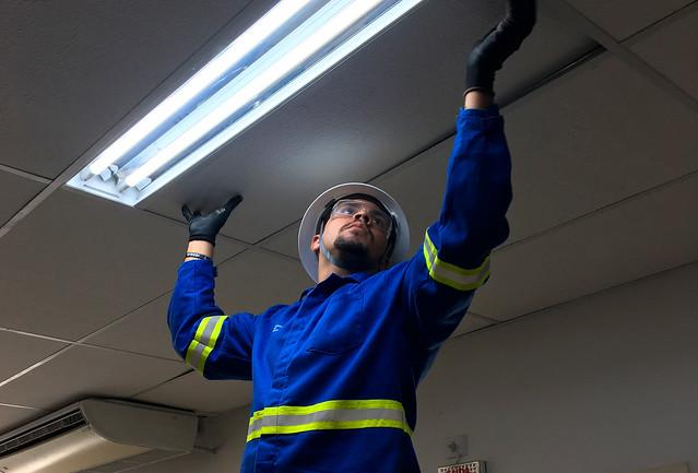 Promotoria de Jaboatão dos Guararapes troca lâmpadas fluorescentes por lâmpadas de Led