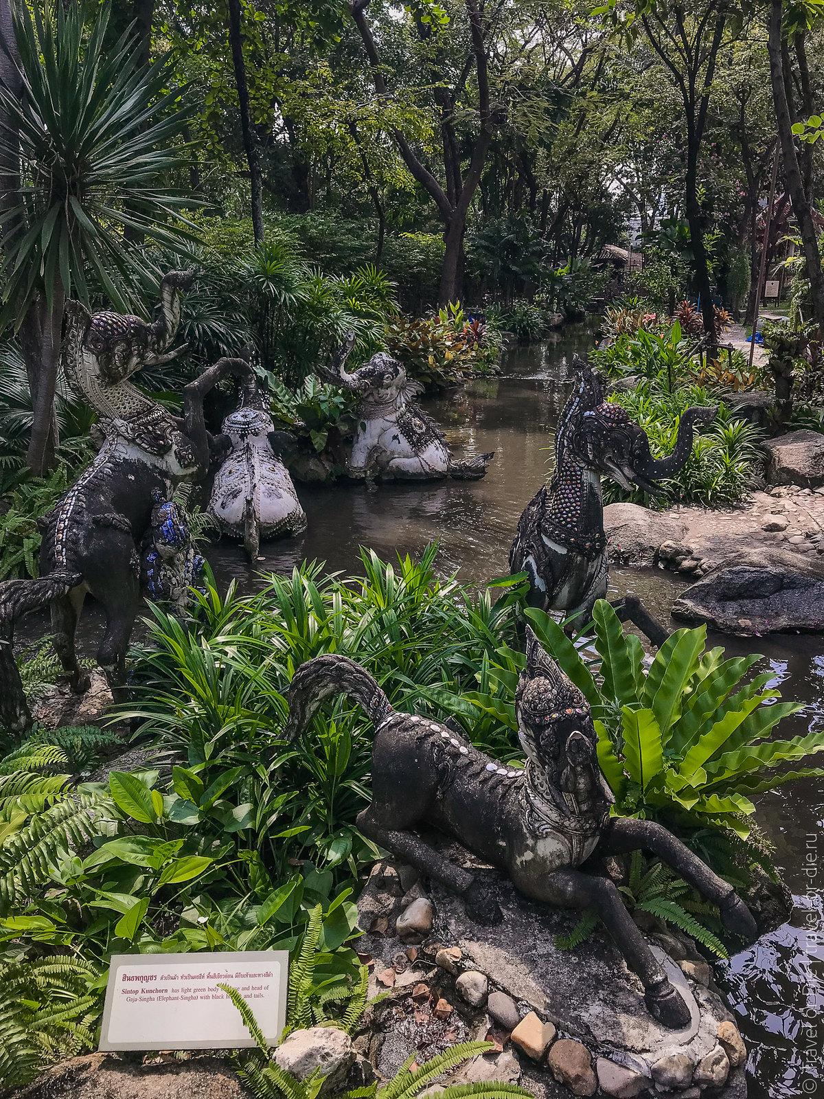 Erawan-Museum-Bangkok-iphone-9715